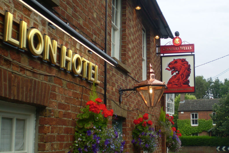 Charles wells red lion hotel